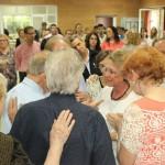 Presentación como anciana de la Iglesia a Maribel